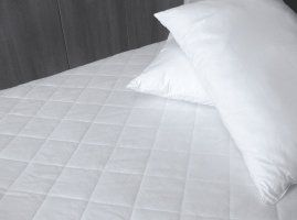 Polypropylene Housewife Pillow Protector Pair