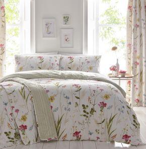 Dreams & Drapes Spring Glade Easy Care Duvet Set Multi